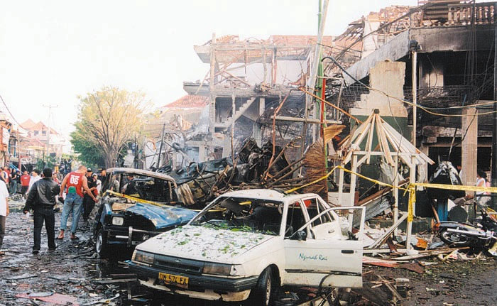 """bali-bombing_au-ag_6Jun2004.jpg"